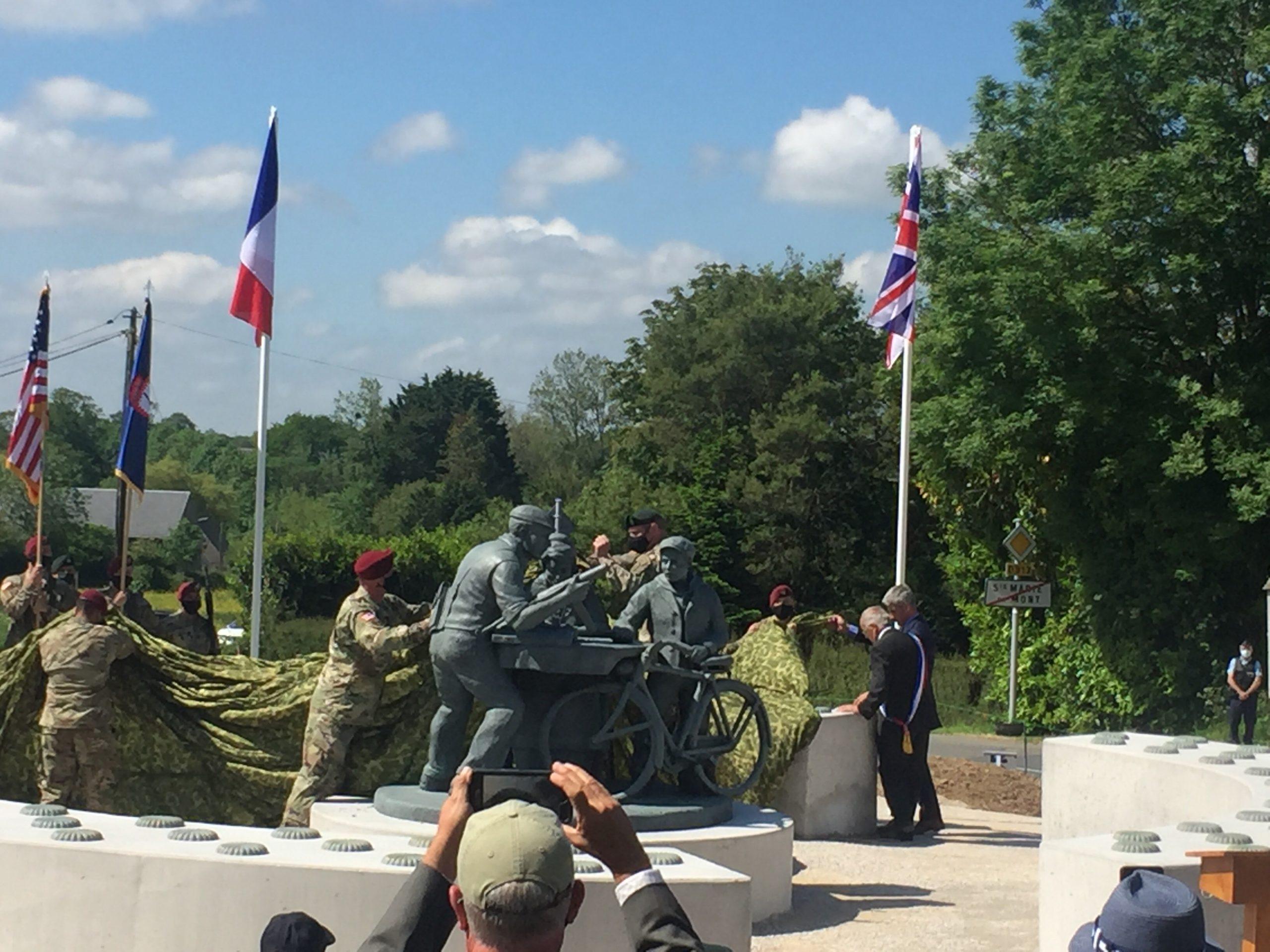 Inauguration d'un Monument à l'Esprit de Défense à Sainte-Marie-du-Mont